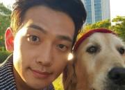 RAIN&伴侶犬ダルボン、仲睦まじい超近接ツーショットを公開!
