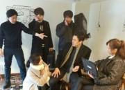 JYJ ジェジュン、チェ・スビン、ユ・オソンら「スパイ」 共演俳優たちの撮影現場ビハインド写真が公開