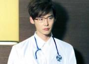 ドクターコートがお似合い,  医師を演じた俳優たち。