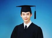 イ・ジョンソク、さわやかな卒業写真公開。